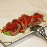 Tuna Tataki on guacamole sauce with beetroot sand, Entrevins, Valencia